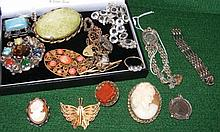 Various costume jewellery, including silver