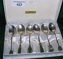 A set of six silver teaspoons in presentation case