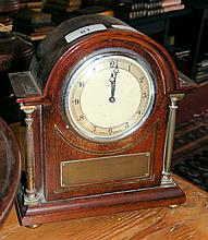 Mahogany eight day mantel clock - 21cm high