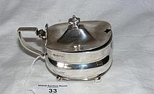 A George V silver mustard with hinged lid and blue