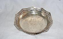 A 16cm diameter silver bowl with pierced rim -
