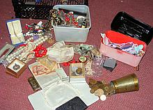 Various collectables, including costume jewellery, coinage, etc.
