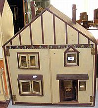 An old 1920's style five room dolls house with fitted vintage furniture - 6