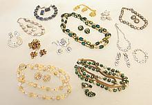 12 Demi-Parures Vintage Jewelry