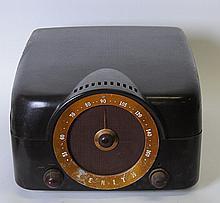Bakelite Zenith Cobra-Matic Radio & Turntable