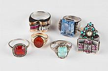 ASSORTED ANTIQUE AND VINTAGE LADY'S RINGS, LOT OF SEVEN