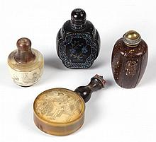ASSORTED CHINESE SNUFF BOTTLES, LOT OF FOUR
