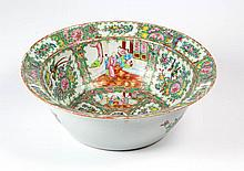 CHINESE EXPORT PORCELAIN ROSE MEDALLION BASIN