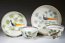 ENGLISH STAFFORDSHIRE POTTERY PEARLWARE PEAFOWL TEA BOWLS AND SAUCERS, LOT OF FOUR