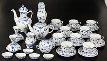 DANISH ROYAL COPENHAGEN BLUE LACE CERAMIC ARTICLES, LOT OF 32