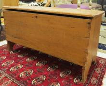 PINE 6-BOARD BLANKET BOX WITH BOOT JACK ENDS