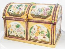 CAPO DI MONTE PORCELAIN COVERED JEWELRY CASKET, SIGNED. HEIGHT 5 3/4