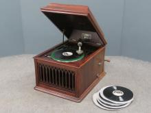 EDISON MAHOGANY MODEL B-80 PHONOGRAPH WITH RECORDS