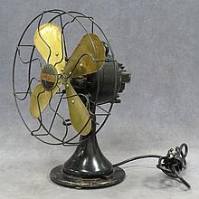 VINTAGE PEERLESS OSCILLATING ELECTRIC FAN