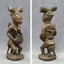 YORUBA, NIGERIA MOTHER/CHILD OFFERING FIGURE