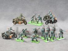 LOT (15) BRITAINS DETAIL GERMAN WWII SOLDIERS, (4) BMW MOTORCYCLES, MORTAR CREW ETC.