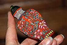 A Fine Qing Enamel Painting Flowers Peking Glass Snuff Bottle