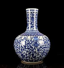 A Large Size Blue and White Lotus Porcelain Bottle Vase