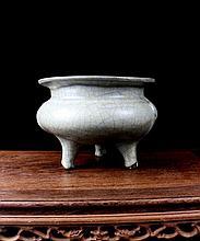 A Rare Ge Kiln Tripod Porcelain Censer