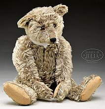 EARLY IMPORTANT 1920s BROWN TIPPED LARGE MOHAIR STEIFF BEAR WITH BUTTON.
