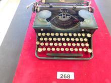 Rare Vintage Royal Typewriter New York two tone green and black