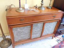 Silvertone Medalist Stereophonic Sound Vintage stereo cabinet