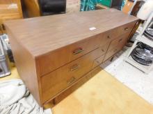 Vintage (9) drawer dresser
