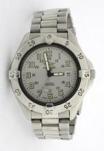 Breitling Colt Grey Dial Mens Wristwatch *with small bag*