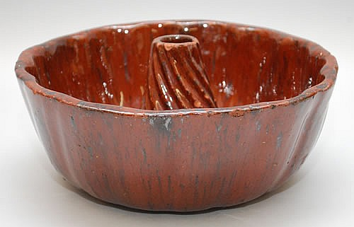 19TH CENT. REDWARE TURK'S CAP FOOD MOLD