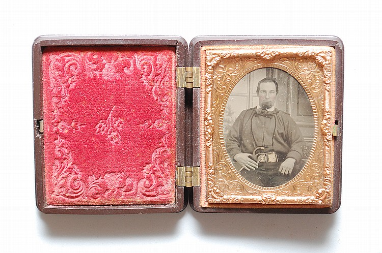 1/9 PLATE FIREMAN CASED TIN TYPE PHOTOGRAPH