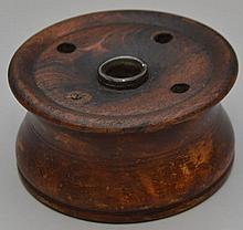 S. SILLIMAN & CO. - CHESTER CONN. GRAIN PAINTED WOODEN INKWELL