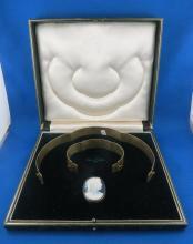 Victorian Hard Stone Cameo Choker/ Bracelet/ Brooch & Pendant