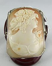14Kt Antique Carved Shell Cameo Brooch