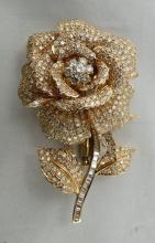 18Kt YG 15.00ct Diamond Flower Pin