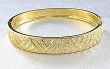 18Kt YG & 3.00ct Diamond Bangle Bracelet