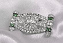 Exquisite Art Deco Platinum, Diamond & Emerald Brooch