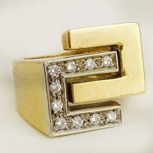 Italian Round Cut Diamond and 18 Karat Yellow Gold Cross Over Ring. Very Good Condition. Ten (10) Round Brilliant Cut Diamonds. 6.95 pennyweights. Size 4-1/2. Shipping $26.00