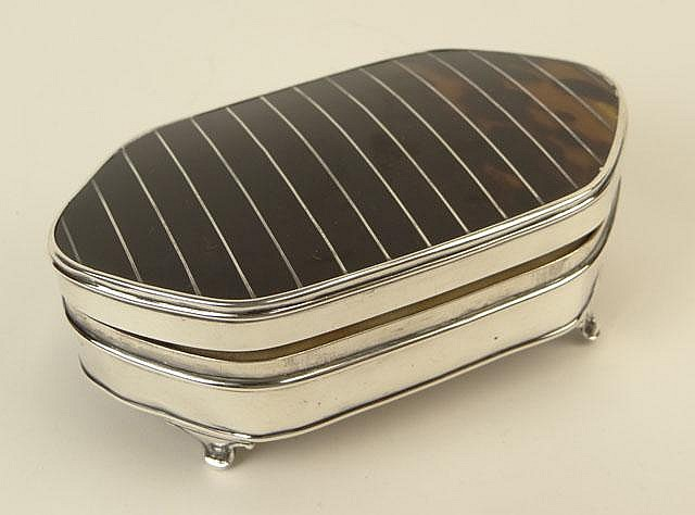 Early 20th Century Birmingham, England Mappin and Webb Sterling Silver and Tortoise Shell Vanity Box with Hinged Lid. Circa 1924. Signed with Hallmarks Upper and Lower Halves. A Few Pings and a Minor Bend or Two or Overall Good to Very Good
