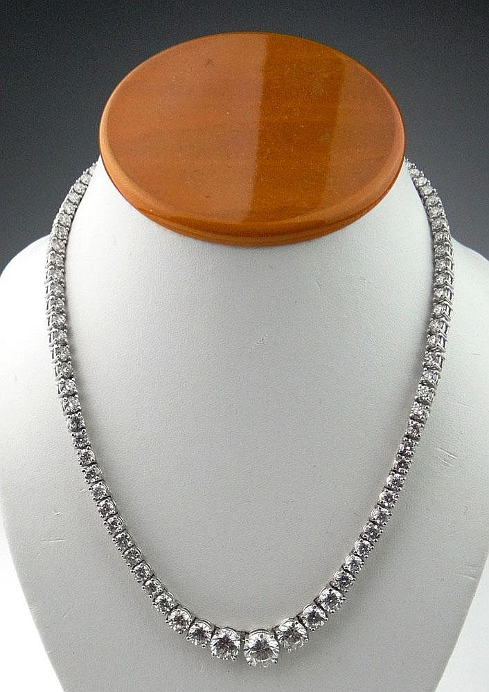 Circa 1950's Important Lady's 30 Carat Round Brilliant Cut Diamond and Platinum Necklace Set with Ninety-Two (92) Graduated Diamonds F-G Color, VS2-SI2 Clarity with Several Diamonds SI3. Center 3.18 Carat Diamond Measures 9.4mm Diameter by 5.9mm