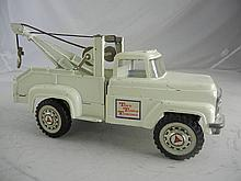 Vintage Hubley Tiny Town Towing Tow Truck  11-1/2
