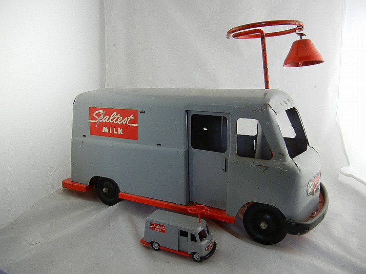 Roberts Sealtest Milk Ride On Truck w/ Hallmark Kiddie Car