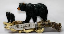 COLLECTORS EDTION HUNTING KNIFE WITH BEAR DISPLAY STAND