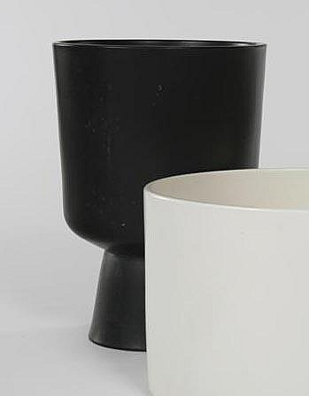 Malcolm Leland Black glazed footed planter (L-24)