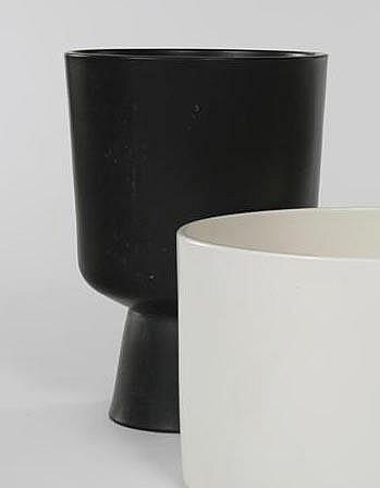 Malcolm Leland Black glazed footed planter (L-24)