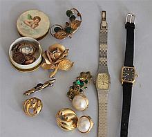 Convolute old costume jewelry