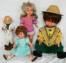 Convolute dolls , different sizes, where the Zapf and 1 Fils doll