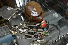 SMALL GROUP OF ITEMS INCL: DANISH SILVER ITEMS, COLLECTOR SPOONS