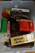 BOX OF ASSORTED PHOTOGRAPHIC RELATED ITEMS INCL: PROJECTORS FILTERS ETC