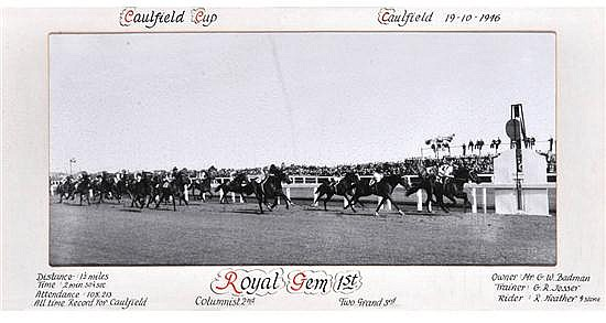 PHOTOGRAPH OF THE 1946 CAULFIELD CUP FINISH WON BY ROYAL GEM Overall 34cm x 64cm