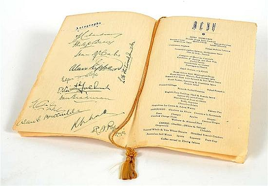 RARE SET OF AUTOGRAPHS OF THE 1932 AUSTRALIAN TOURING CRICKET TEAM TO NORTH AMERICAN TOUR